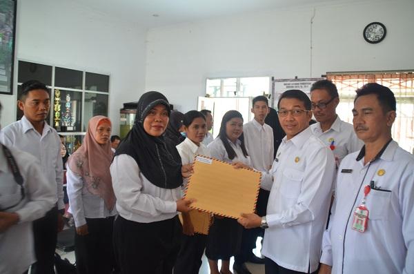 Penyerahan SK CPNS THL-TB Penyuluh Pertanian Oleh Bupati Murung Raya